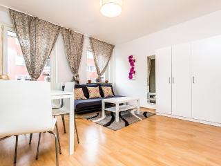 75b Down Town Apartment, Colônia