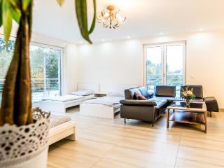 83 Design Apartment in Köln Rath, Colônia