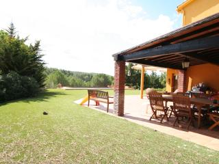 Villa at 25 min from Barcelona & 15 to the beach, Olesa de Bonesvalls