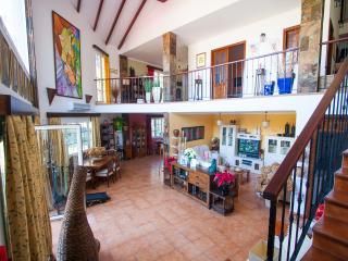 Casa de la Loma, vistas preciosas, piscina, wifi