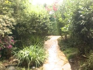 grand studio nature et zen avec jardin et piscine