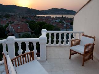Maison avec vue sur la mer / House with seaview, Yenifoca
