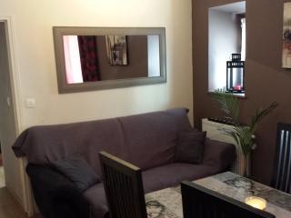avignon bel appartement T2 au coeur des remparts, Aviñón