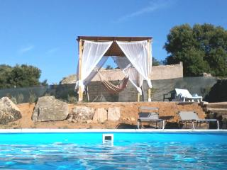 holiday house with pool, Calangianus