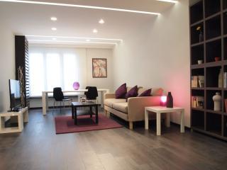 Central Designer flat + free extras - VIOLET