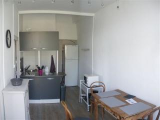 Chambre privée dans appartement, Saint-Genis-Laval