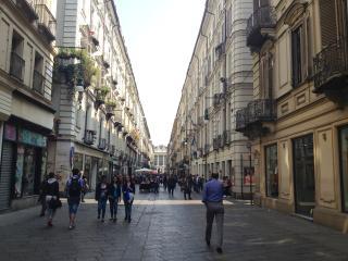 Cozy, central and quiet + parking - P.zza Castello