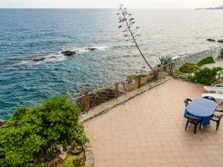 Dream apartment 3 meters to the sea