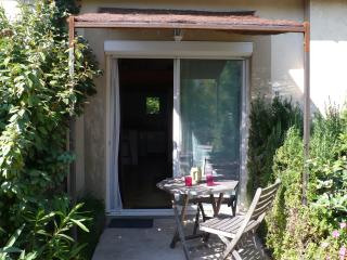T1 bis 40 m2 ,  terrasse , parking ,  wifi . 2 personnes