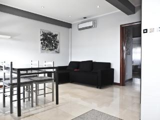 General Apartment Sapadores - Free Parking and A/C