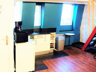 CHEZ ROMAIN, duplex meuble en ville LAPPARTACOTE