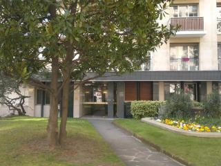 Splendide Levallois Balcon Jardin Entierement equipe Calme Champs Elysees  9 min