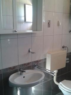 A2(2): toilet