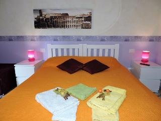 CASA NINO IN TRASTEVERE FOR YOUR HOLIDAY, Rome