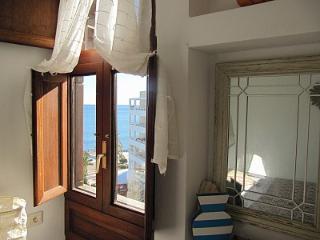 encantador apartamento frente al mar en Sta Eulalia, Ibiza, Santa Eulalia del Río