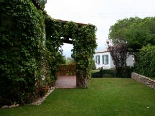 Bungalow with garden in Costa Brava, Santa Cristina d'Aro