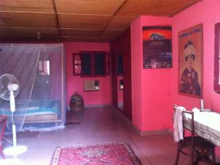 Studio meublé dans grand jardin, Dakar
