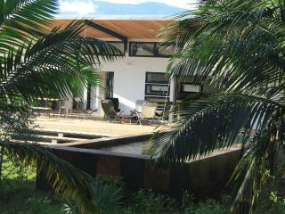 Belle Villa avec Grande terrasse et piscine, Saint-Pierre