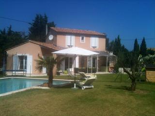 Villa tout confort avec piscine, Aviñón