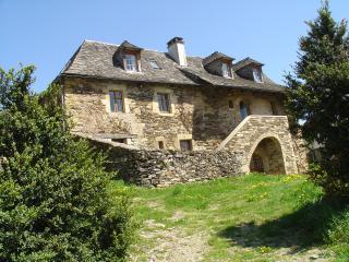 Maison de Vigneron avec piscine privée et chauffée, Espalion