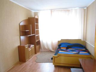 Cheap apartment with bed 10 min center, Kiev
