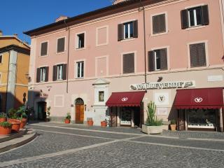 Piazza Fratti, Civitavecchia