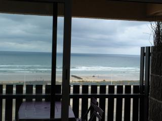 TRIPLEX AMAIZING OCEAN VIEW magnifique vue ocean, wifi, parking et linge compris
