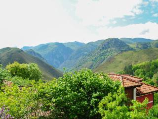 Casa Asturiana con vistas a los Picos de Europa., Arenas de Cabrales