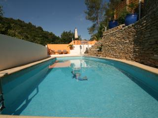 haut de villa avec acces  piscine chauffee