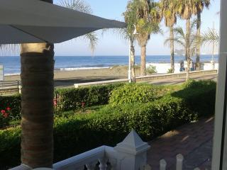 Preciosa casa a pie de playa en la Costa del Sol