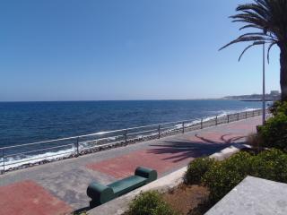 Villa el Veril. Primera línea de mar y piscina