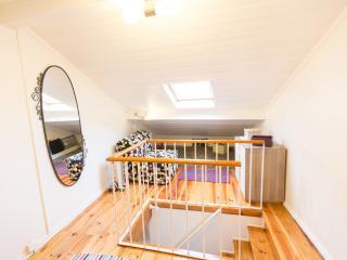 Alfama's small Rooftop Duplex