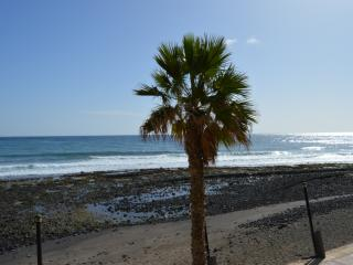 Apartment in Playa de Arinaga first line sea, Aguimes