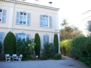 Appartement dans villa/ Apartment (344 ft2) Cannes