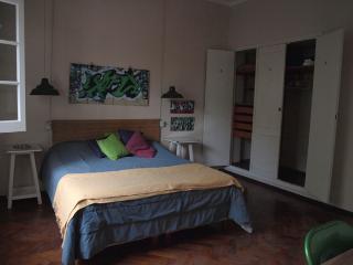 Cuatro piezas para alquiler en el centro, Mendoza