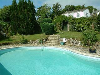 Pool House - detached cottage with private pool, Duloe
