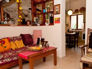 COTTAGE in the heart of Crete