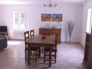L'Oliveraie - Belle villa entourée d'oliviers, Jouques