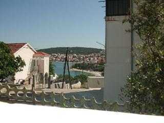 Apartments for 12 people, Okrug Gornji