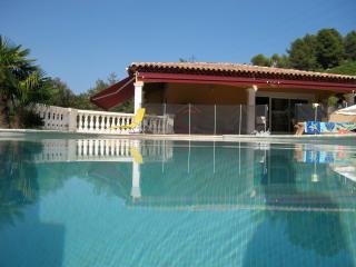 Luxury villa with pool in quiet. Magnifique Villa.