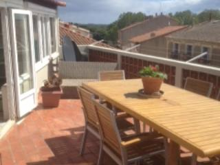 Large Home in Historic Serignan
