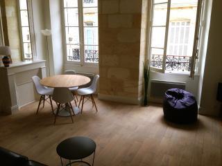 Beau T2 dans le centre historique de Bordeaux