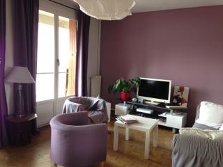 Grand appartement calme 3 chambres, 5 mn du centre