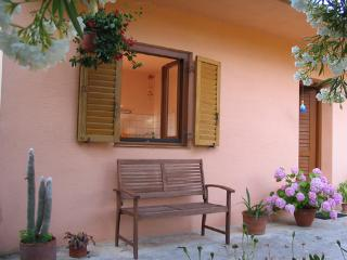 KAIROS - COSY PLACE WITH A GARDEN, Hvar