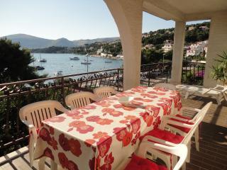 Villa Mirella-20m from the sea! Pink apartment 6+2