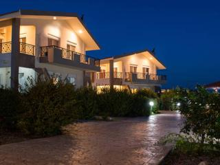 Piccolo Paradiso (Villa Pollux), Gennadi