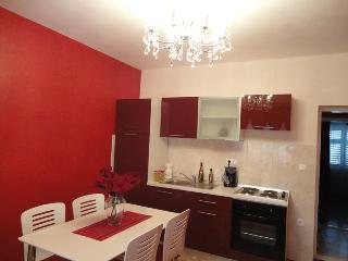 Villa Mirella-20m from the sea! Red apartment 4+1