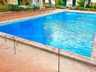 STELLA MARINA casa frontemare con piscina ai piedi dell'Etna vicino Taormina