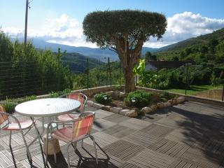 studio avec piscine et terrasse vue panoramique