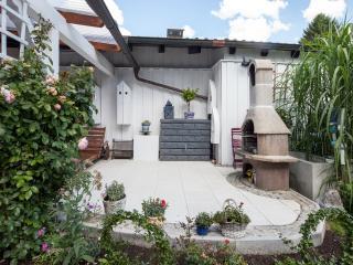 Edle Wohnung im Erdgeschoss mit Garten und Terrasse am Starnberger See